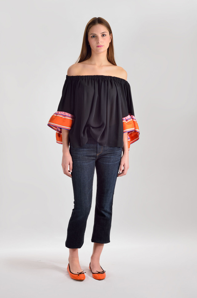 Blusa de Emilio Pucci y pantalones denim de Citizens of Humanity