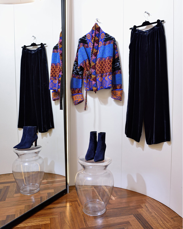 Chaqueta de Etro 100% lana made in Italy; Pantalón Aspesi algodón de seda (terciopelo); Botines Gianvito Rossi