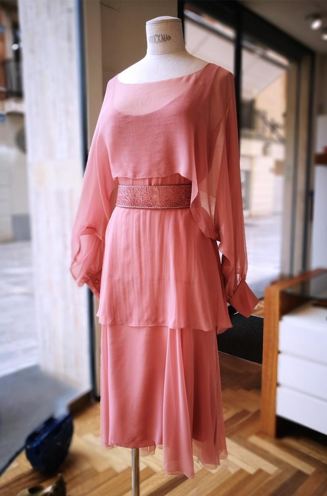 Vestido de Alberta Ferretti colección Resort 2018 de sifón de seda color nude, 100% seda, estilo twenties.