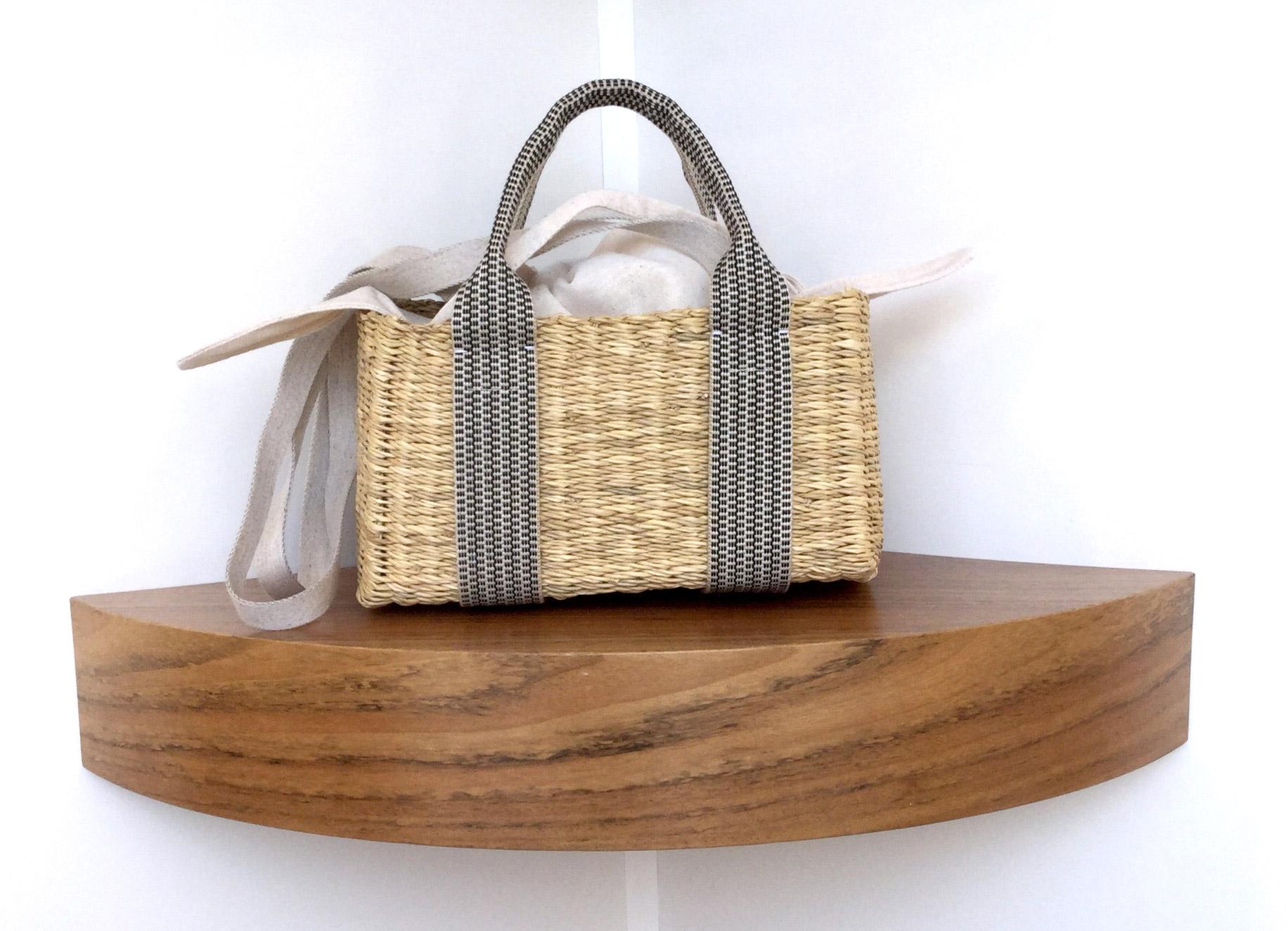 Bolso Muuñ de paja Manon K Cotton, tamaño mini e interior de algodón - PATOS Valencia