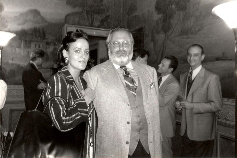 Lourde López con Gianfranco Ferré