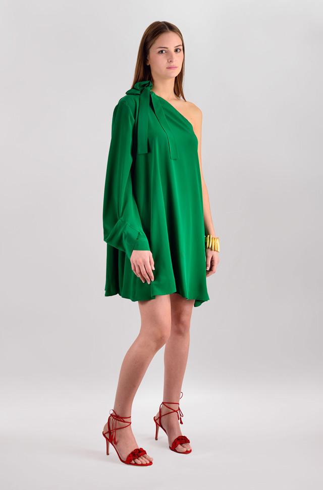 Vestido de MSGM verde y sandalias de Gianvito Rossi  - Colección Moda Primavera Verano 2017