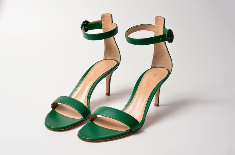 Sandalia de tacón alto de Gianvito Rossi color verde esmeralda