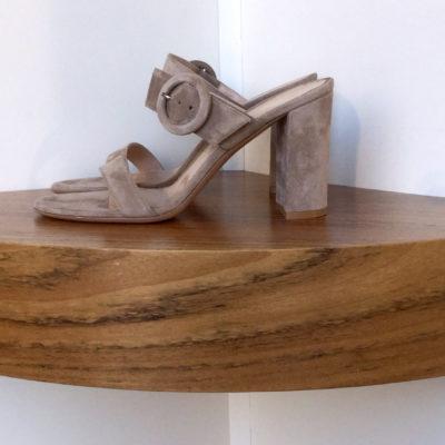 Zapato Gianvito Rossi 100% ante colore beige, tacón de 8,5 cms.