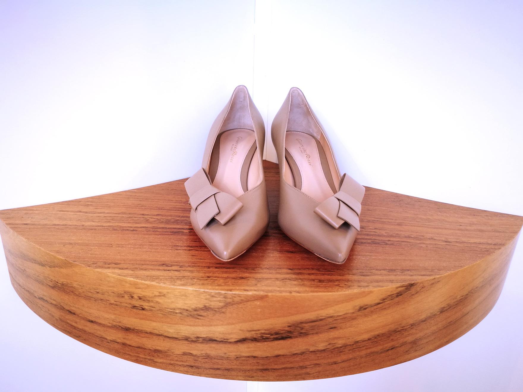 Zapato de salón de GIANVITO ROSSI de napa color nude