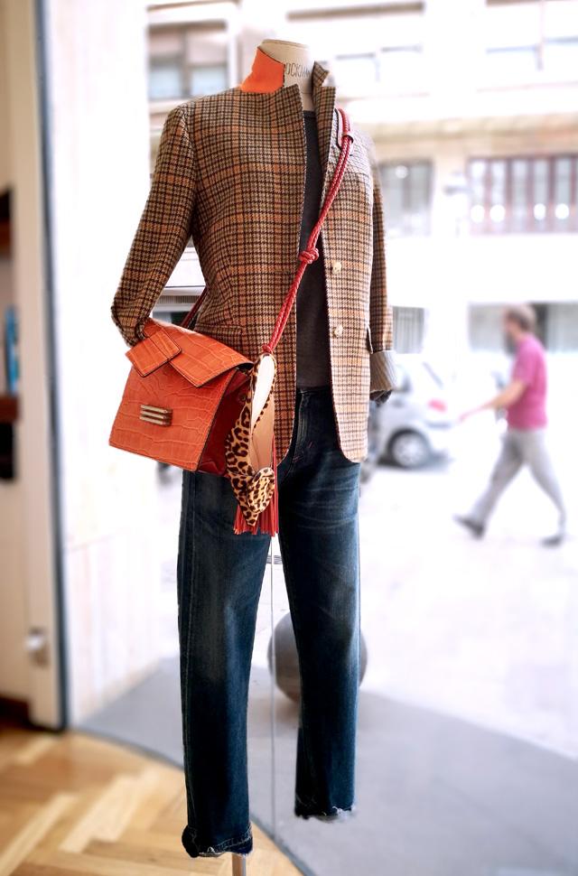 Etro 50 Aniversario: bolso y chaqueta pata de gallo; Punto de Roberto Colina y Denim de Citizens - Colección Otoño Invierno 2018 2019 - Patos Valencia