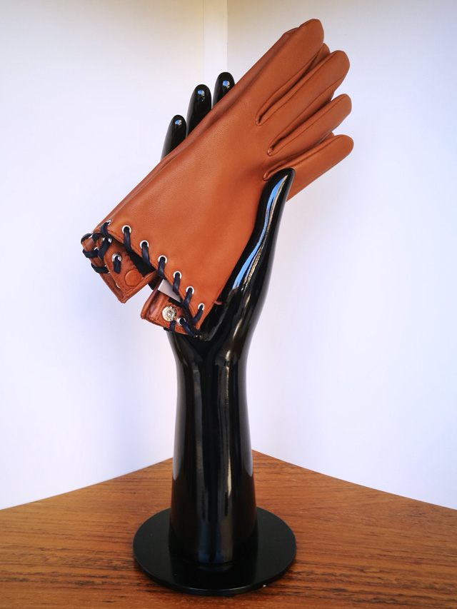 Agnelle guante marrón