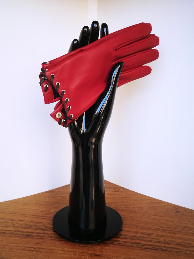 Agnelle guante rojo
