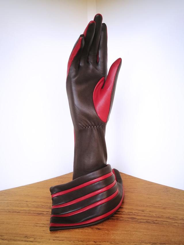 Guante Agnelle rojo y negro, piel de cordero forro de seda