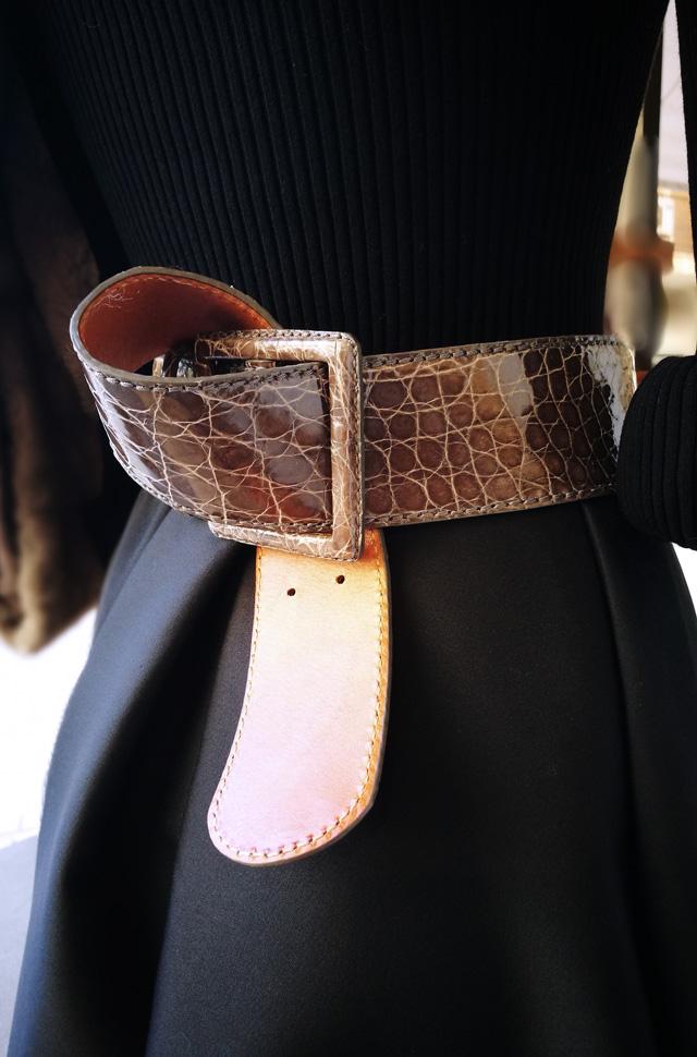 Sueter de Michael Kors Collection, Falda de Paule Ka y Estola de Visón de San Rome - Moda mujer otoño Invierno 2018 2019 - Patos Valencia