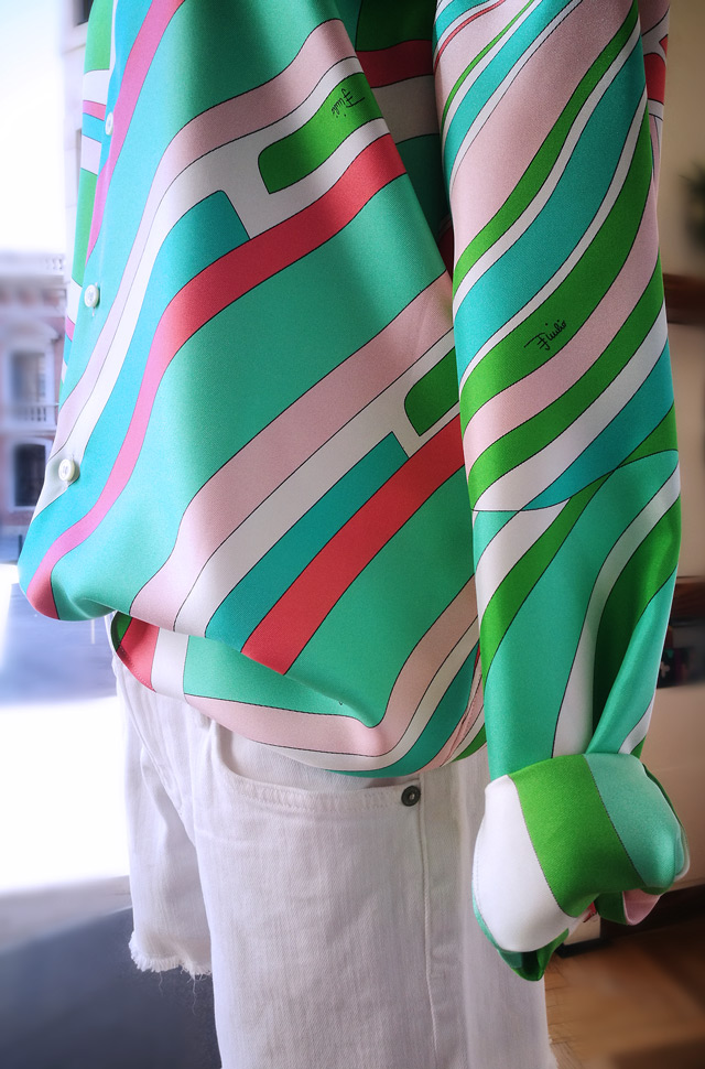 Camisa Emilio Pucci 2019 oversize estampada y shorts de Citizens of Humanity - PATOS Valencia