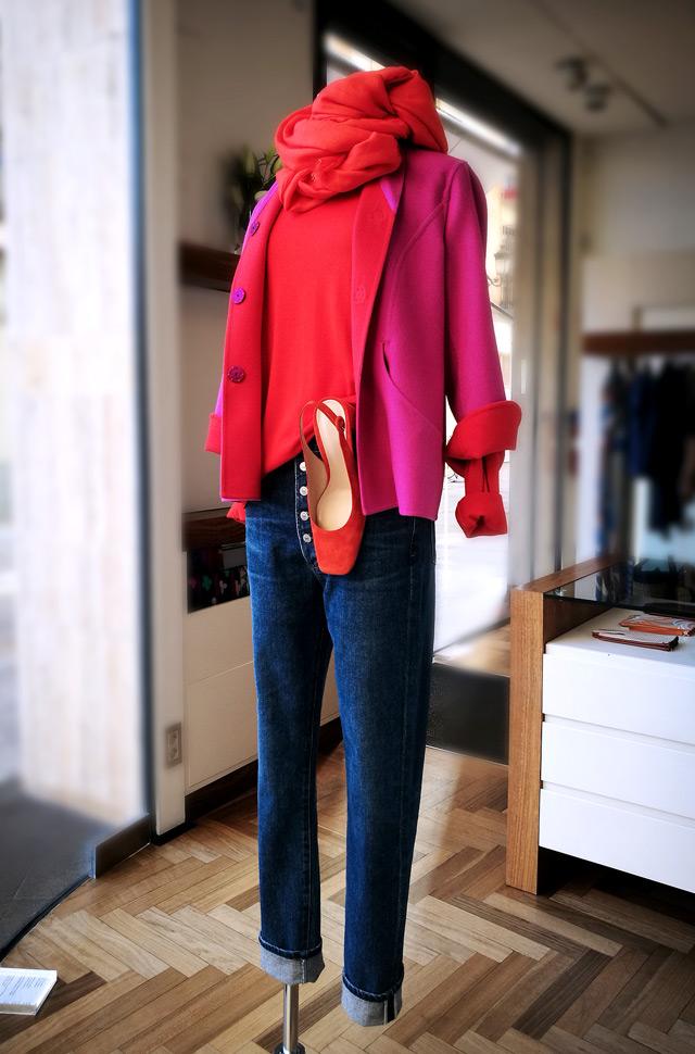 Chaqueta de Herno 2019, pullover y pashmina de Colombo, jeans de Citizens of humanity y zapatos-de Gianvito Rossi - PATOS Valencia