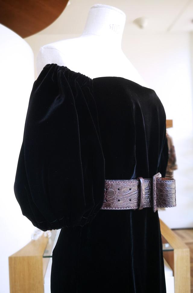 Vestido de ETRO en terciopelo negro Otoño Invierno 2019 / 2020 - PATOS Valencia