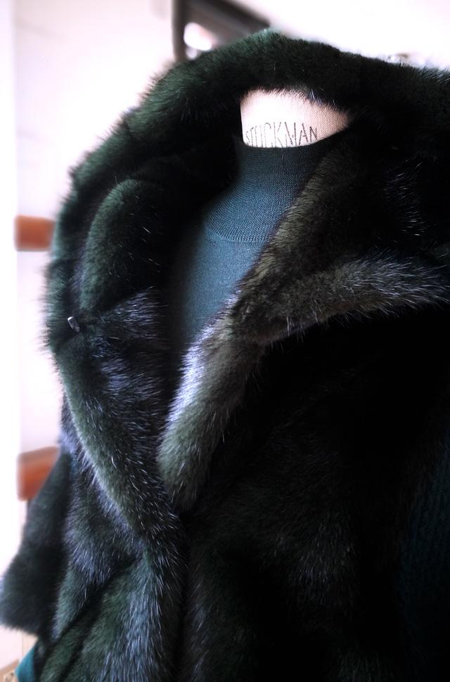 Chaqueta Sam Rone 2019 2020, pullover Lamberto Lossani, jeans de Citizens of Humanity y bolso de Emilio Pucci - PATOS Valencia