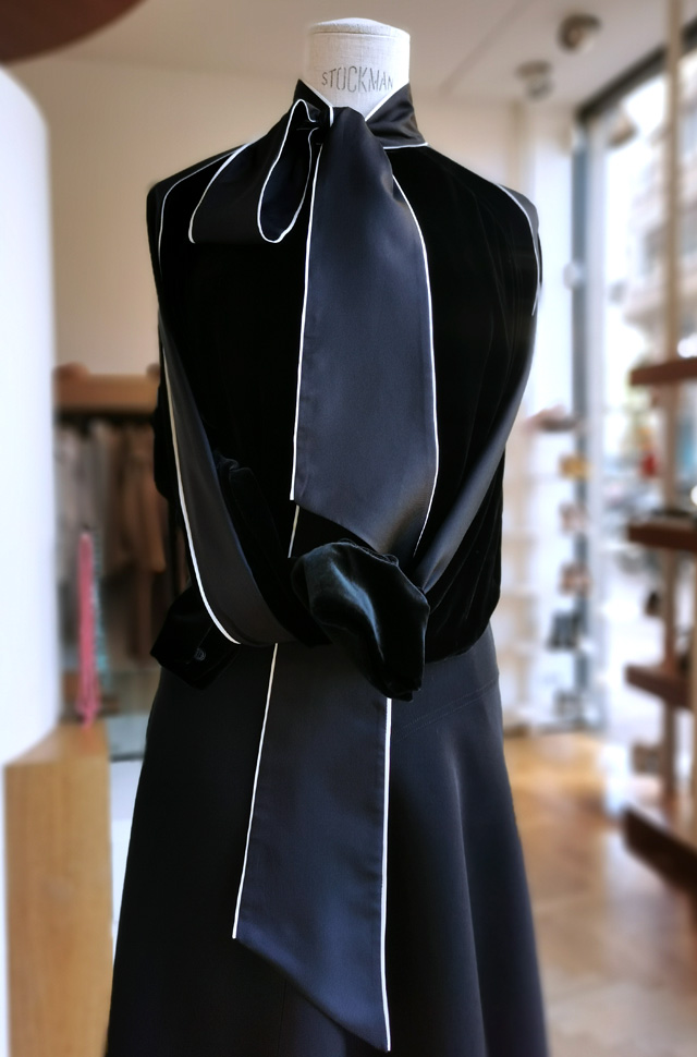 Camisa y falda de media capa de ROCHAS, otoño invierno 2020 / 2021 - PATOS Valencia