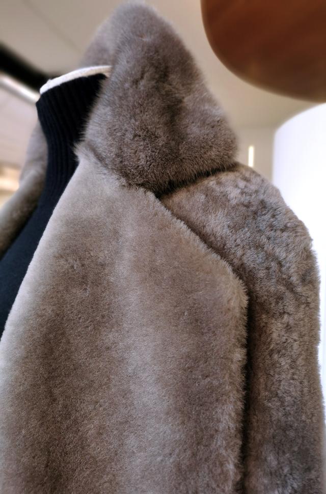 Chaleco de visón de BLANCHA, pantalón de ROCHAS y pullover de ROBERTO COLLINA otoño invierno 2020 / 2021 - PATOS Valencia