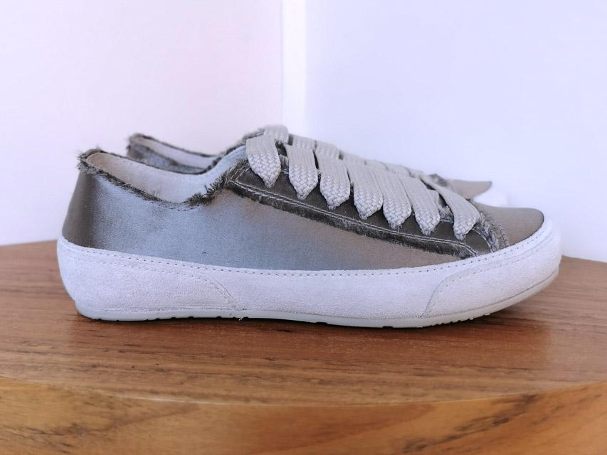 Sneakers de PEDRO GARCÍA con tejido de raso gris Primavera Verano 2021 - PATOS Valencia
